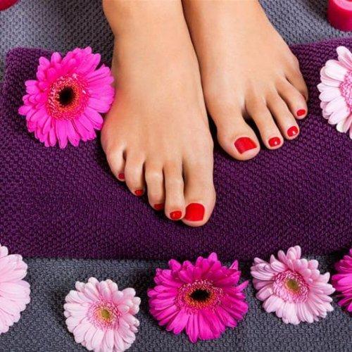 Enobarvno PERMANENTNO lakiranje na nogah
